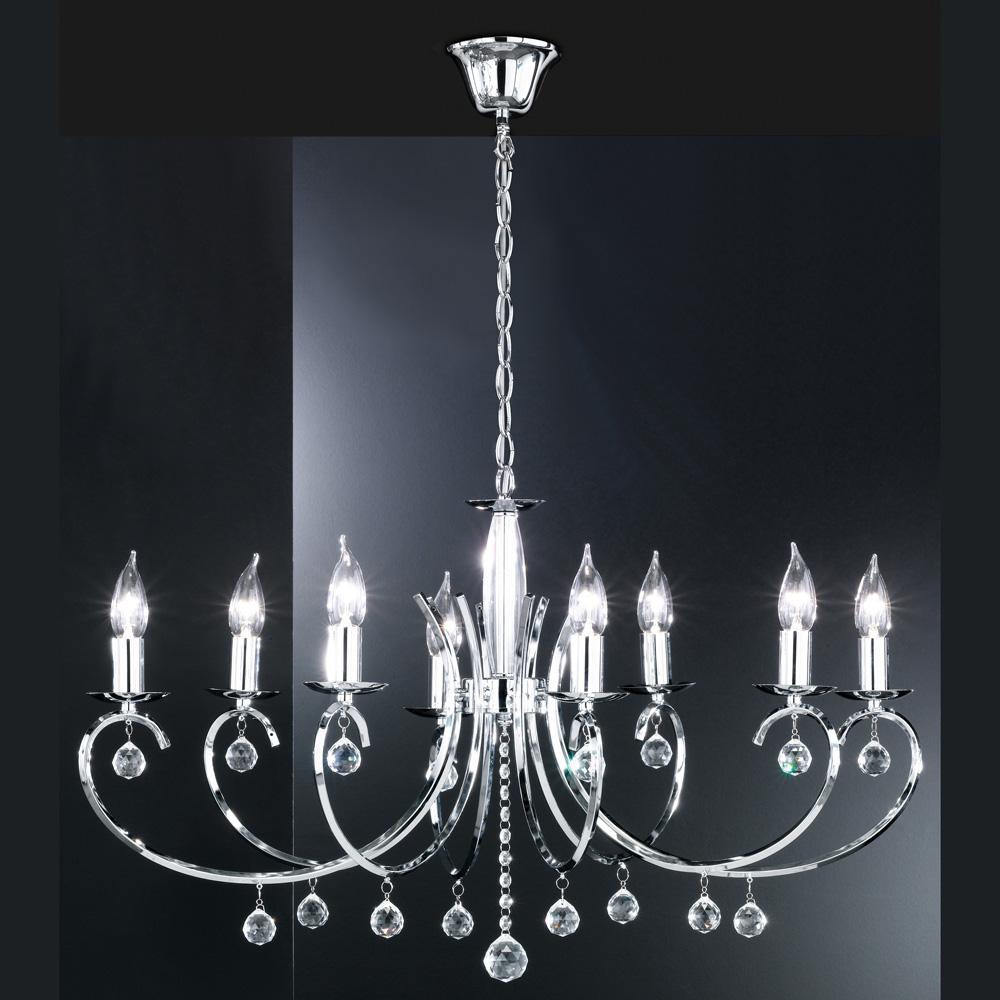 Eleganter Kronleuchter In Ovalem Design